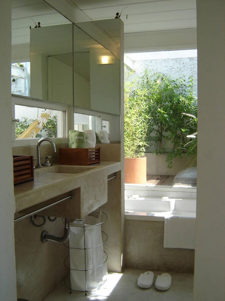 Home PH: Comedores de estilo  por Paula Mariasch - Juana Grichener - Iris Grosserohde Arquitectura