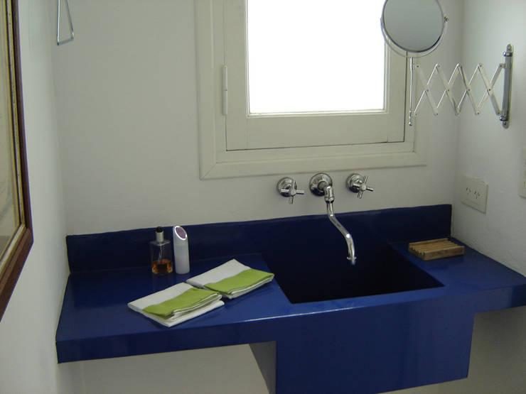 Home PH: Cocinas a medida  de estilo  por Paula Mariasch - Juana Grichener - Iris Grosserohde Arquitectura