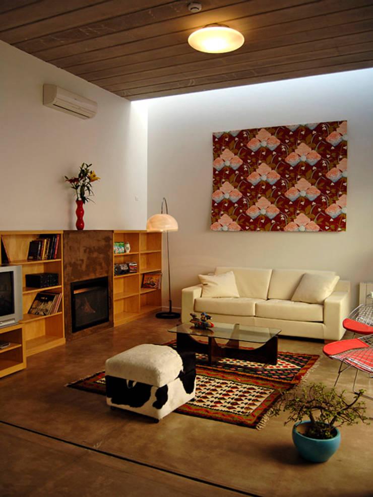 Home Loft: Livings de estilo  por Paula Mariasch - Juana Grichener - Iris Grosserohde Arquitectura,
