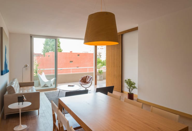 Edificio Arts e Lofts: Livings de estilo  por Paula Mariasch - Juana Grichener - Iris Grosserohde Arquitectura,