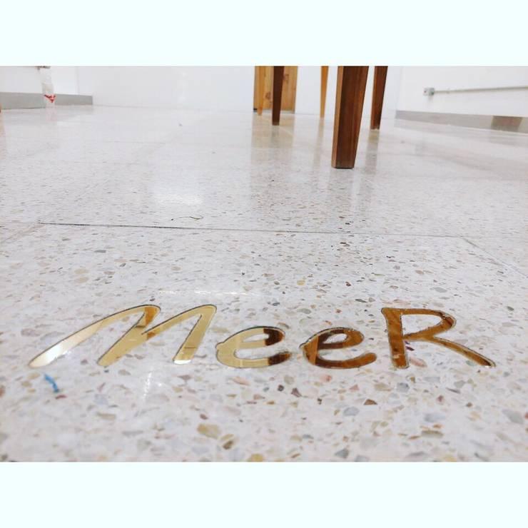 합정 LAS MeeR Cafe 인테리어: 휴먼스케일의  바 & 카페