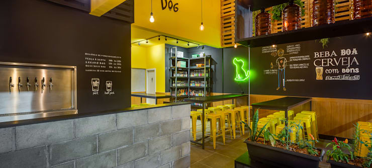 Bars & clubs de style  par Estúdio Pantarolli Miranda - Arquitetura, Design e Arte