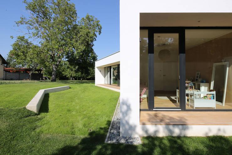 bungalow K _ siegendorf, burgenland - paschinger architekten:  Häuser von PASCHINGER ARCHITEKTEN ZT KG