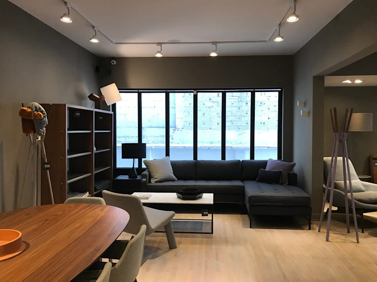 Sala contemporanea: Salas de estilo clásico por Home Reface - Diseño Interior CDMX
