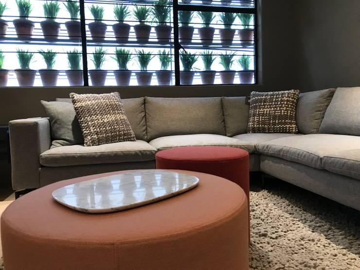 Ambientes CDMX: Salas de estilo clásico por Home Reface - Diseño Interior CDMX