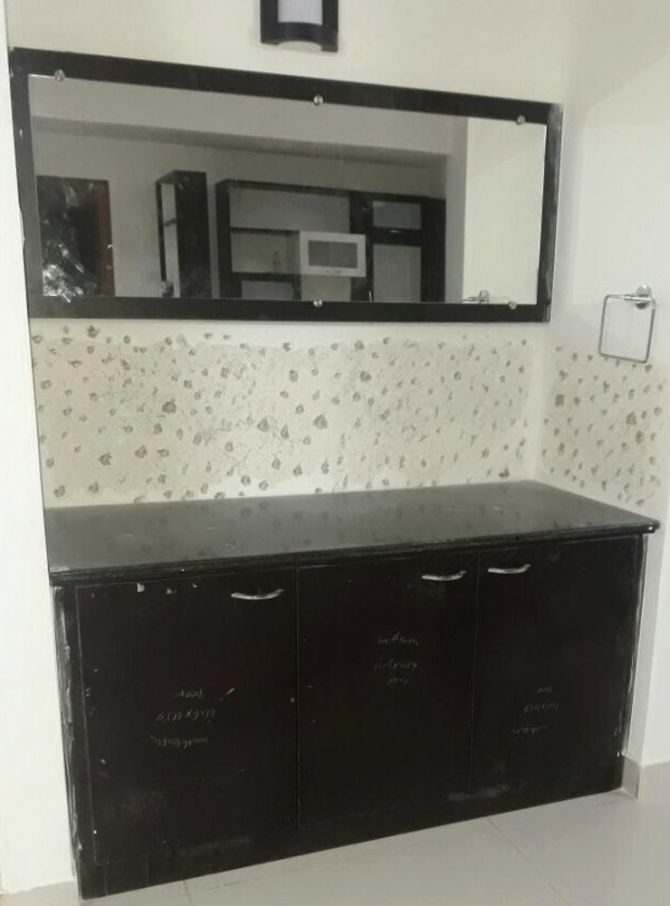 Wash Basin Mirror with Storage:  Dining room by Scale Inch Pvt. Ltd.