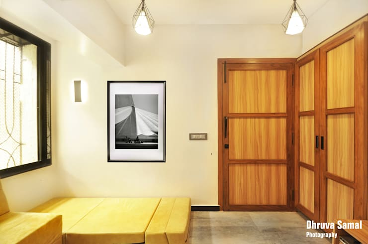 Гостиная в . Автор – Dhruva Samal & Associates, Модерн