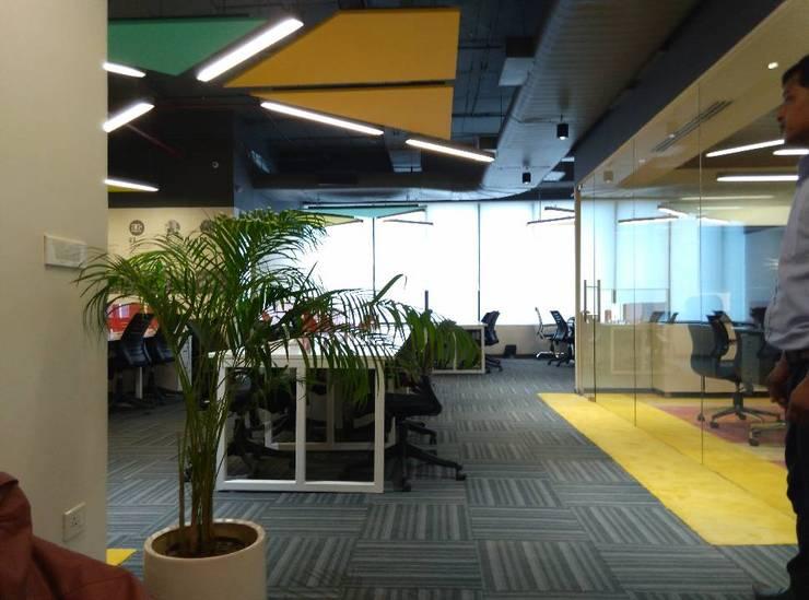 Workstations by Ravi Prakash Architect Eclectic Engineered Wood Transparent