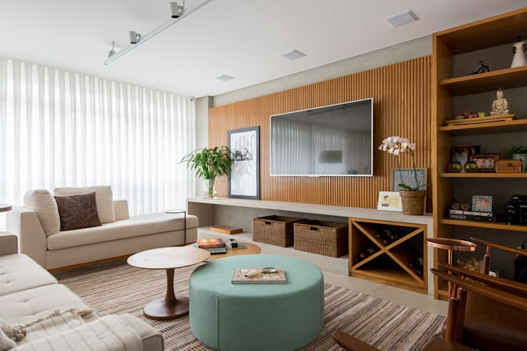 Sala de Estar/Home : Salas de estar  por RF DESIGN DE INTERIORES