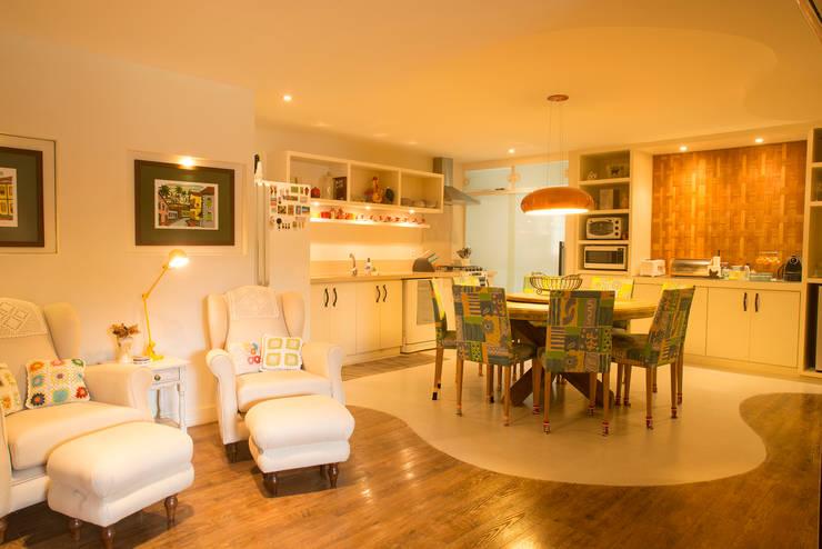 ห้องครัว โดย Giselle Wanderley arquitetura, คันทรี่