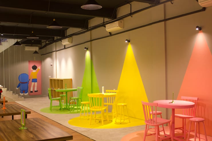 Eating Area- 2nd Floor:  Restoran by TIES Design & Build