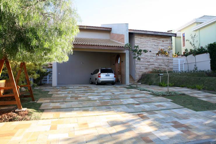 Houses by Fernanda Quelhas Arquitetura