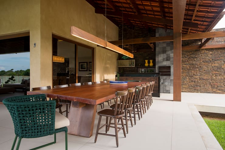 Patios by Danielle Valente Arquitetura e Interiores