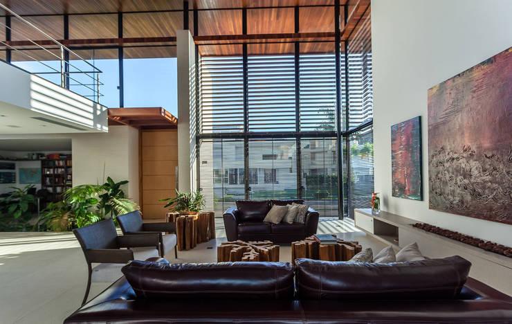 modern Living room by Ruschel Arquitetura e Urbanismo