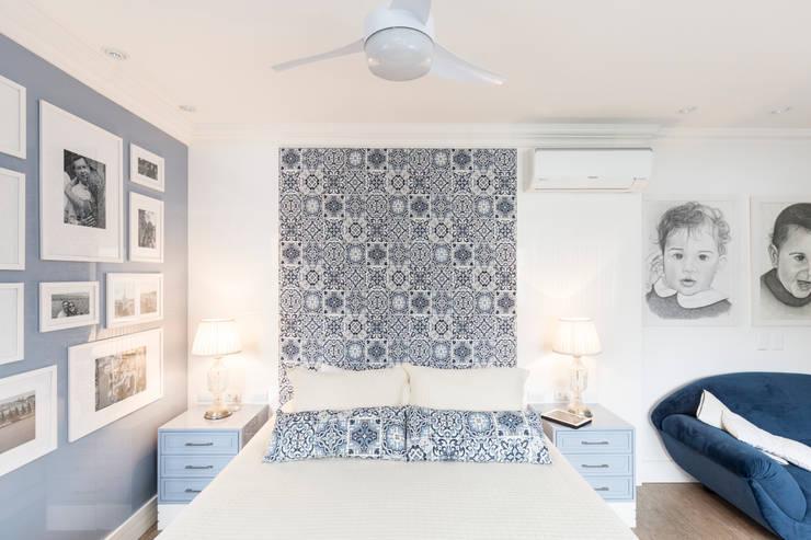Спальни в . Автор – Kali Arquitetura, Классический