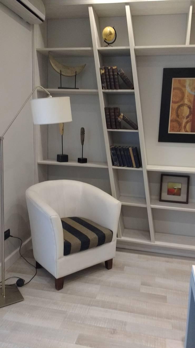 ESTUDIO: Estudios y oficinas de estilo  por Estudio Dossier Interior,