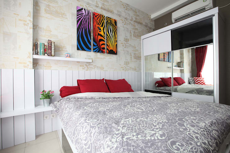 Chic Apartment : minimalistic Bedroom by a+Plan Architect and Interior Works