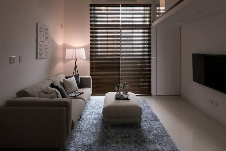 Salas de estilo  por 北歐制作室內設計