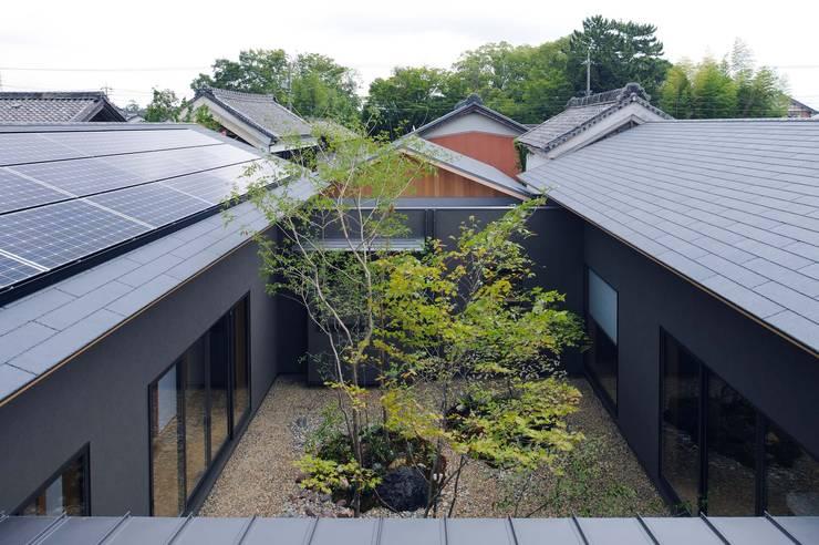 安城の家: 吉川弥志設計工房が手掛けた庭です。