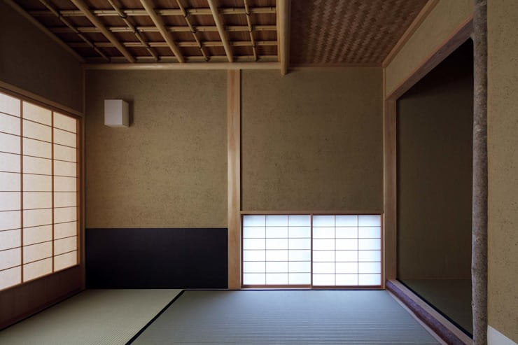 安城の家: 吉川弥志設計工房が手掛けた和室です。
