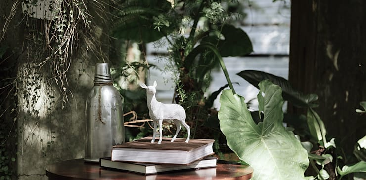 Haoshi Deer X PAPERWEIGHT:  Living room by Just For Clocks