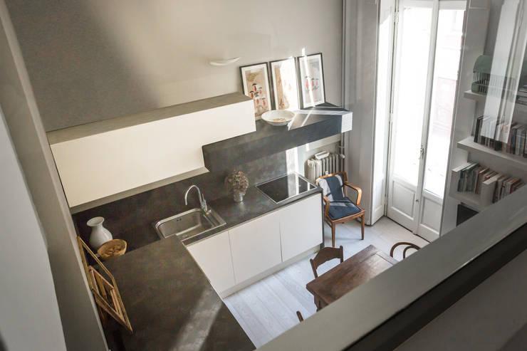 مطبخ ذو قطع مدمجة تنفيذ Viú Architettura