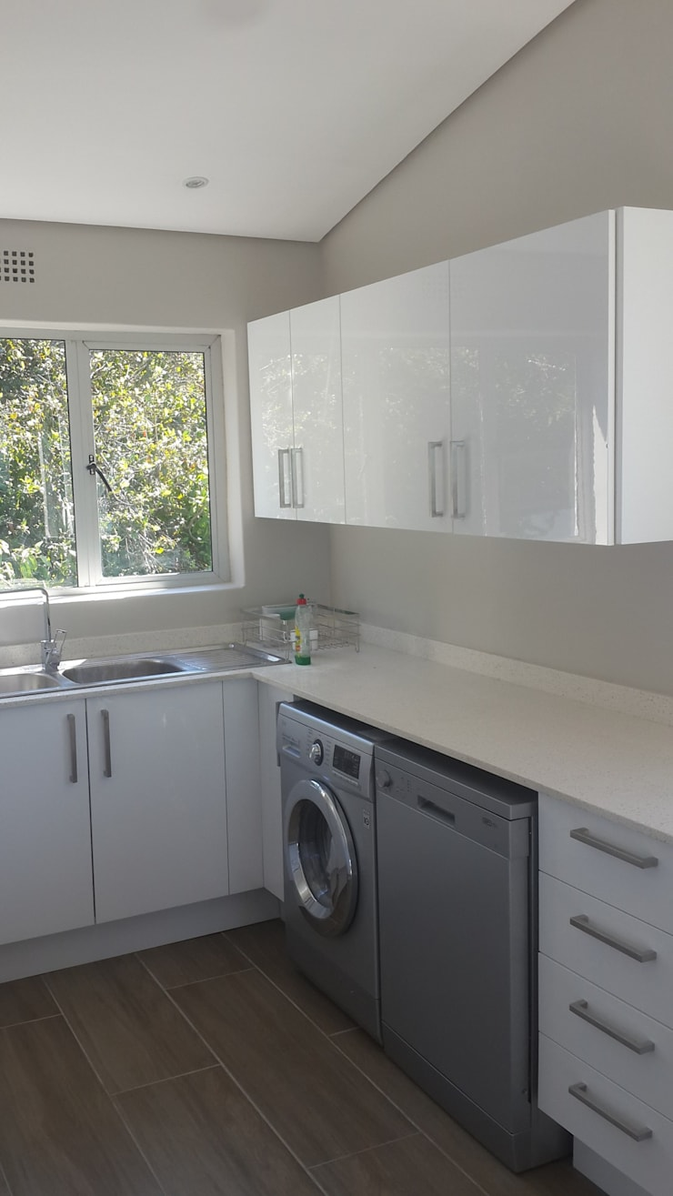 Kitchen Renovation, Remodel + Cupboards Sea Point:   by CPT Painters / Painting Contractors in Cape Town