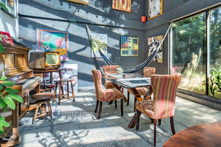 Fotografía Inmobiliaria: Terrazas de estilo  por FOTOIMX: Fotógrafo de Inmuebles en CDMX