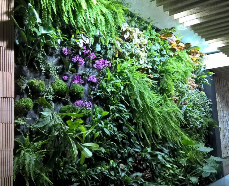 Interior landscaping by GreenerLand. Arquitectura Paisajista y Tematización
