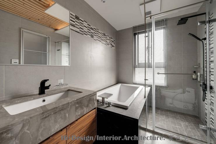 二樓主臥浴室:  浴室 by Hi+Design/Interior.Architecture. 寰邑空間設計