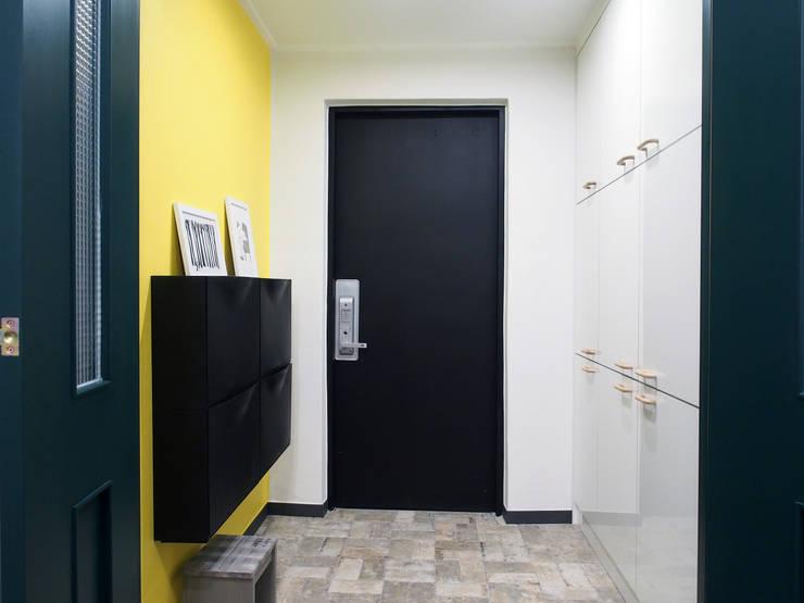 Corridor & hallway by 달달하우스