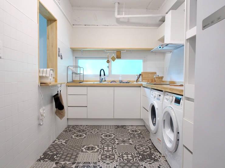 Kitchen by 달달하우스