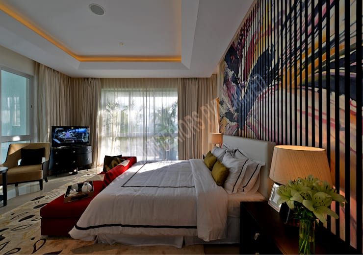 Residence at Pune:  Bedroom by Racheta Interiors Pvt Limited