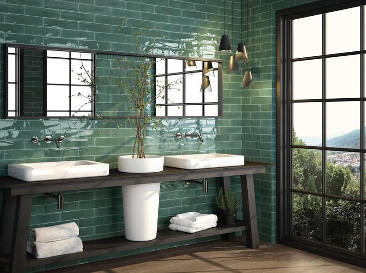 Elegantes Badezimmer mit Wandfliesen: moderne Badezimmer von Fliesen Sale