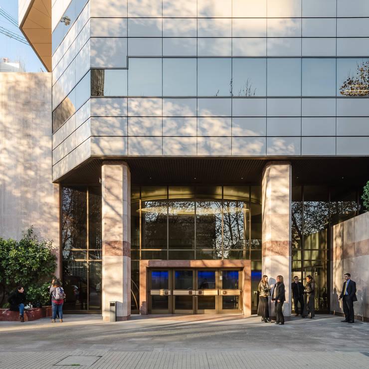 Edificio Ex-Shell: Edificios de Oficinas de estilo  por Bschneider Arquitectos e Ingenieros