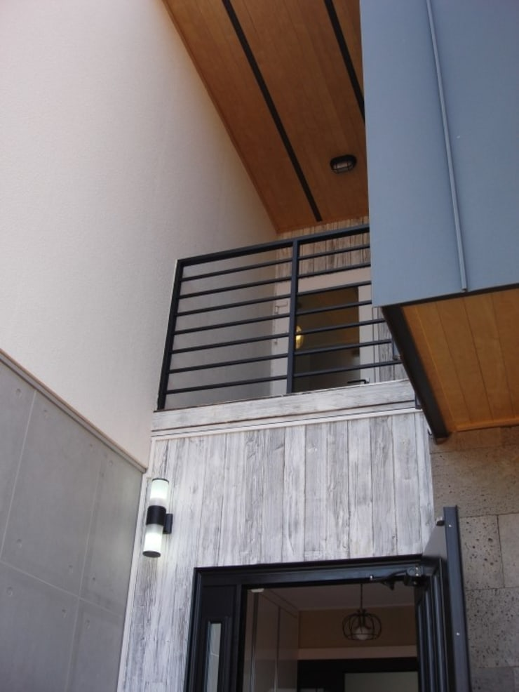 울산시 울주군 은편리 단독주택/목조주택: 피앤이(P&E)건축사사무소의  주택,