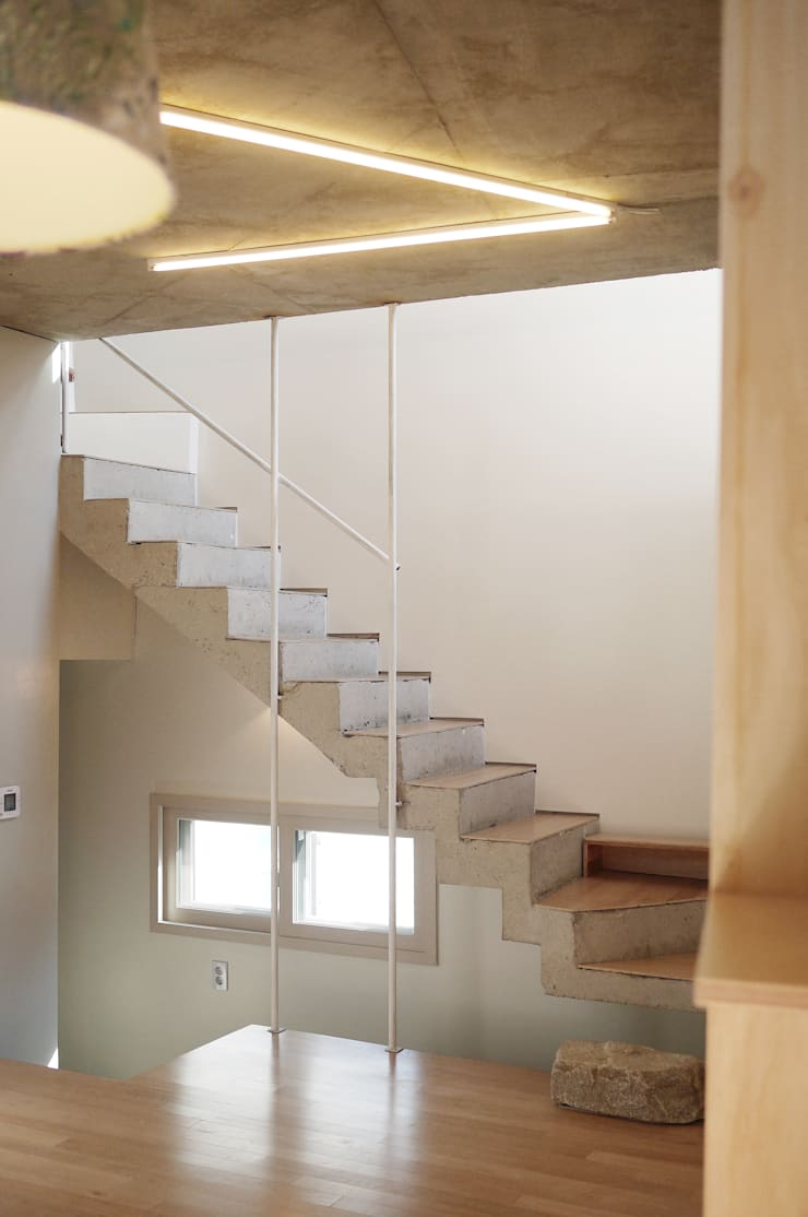 yoonzip – SAI: yoonzip interior architecture의  복도 & 현관,미니멀