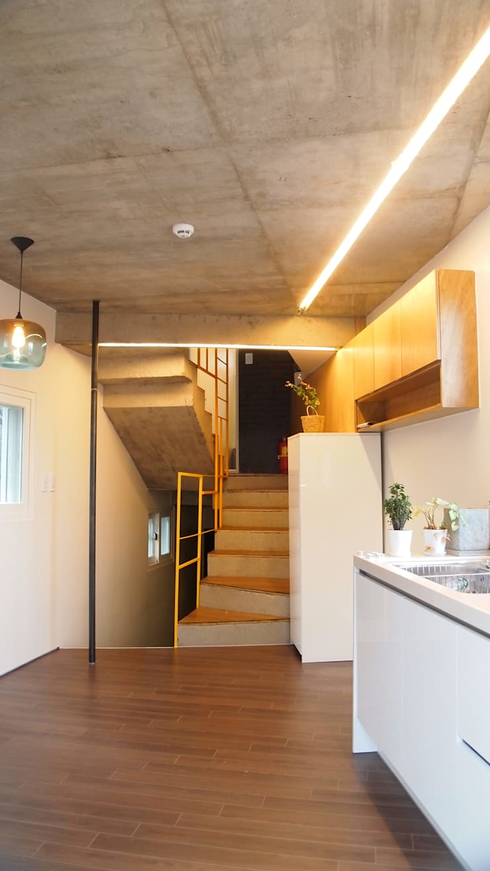 SAI_190  [바람이 불어오는 집]: yoonzip interior architecture의  주방,미니멀