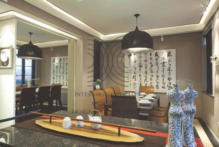 亦中亦西的自在風格│ 餐廳:  餐廳 by 大真室內裝修設計有限公司