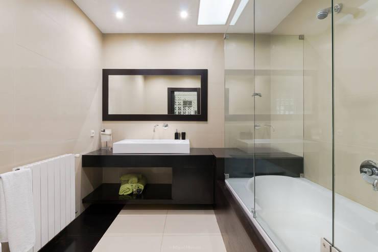 Phòng tắm by Miguel Marnoto - Fotografia