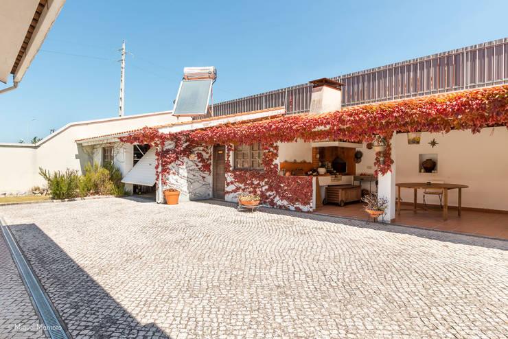 Casas de estilo clásico por Miguel Marnoto - Fotografia