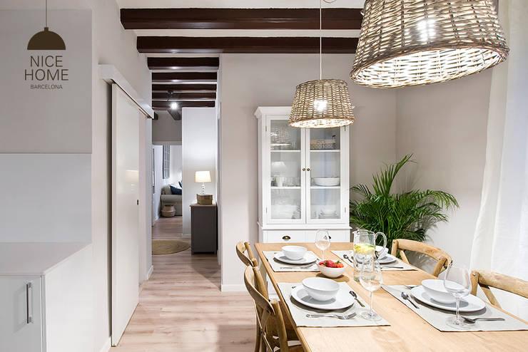 Proyecto Ramblas: Comedores de estilo mediterráneo de Nice home barcelona