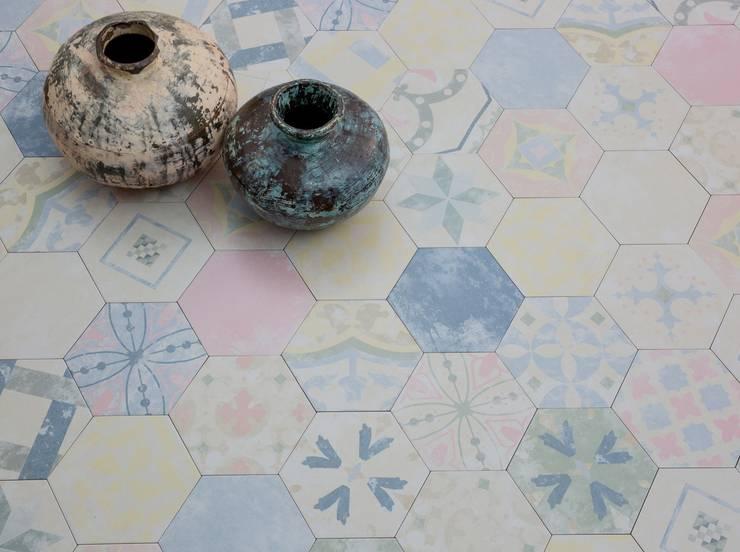 Patchworkfliesen im Sechseckformat:  Wände von Fliesen Sale