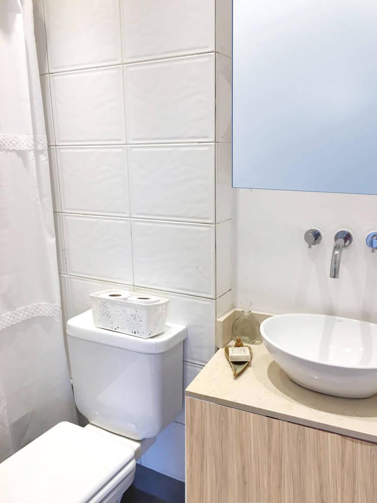 DESPUES: Baño:  de estilo  por Estudio CRUDO