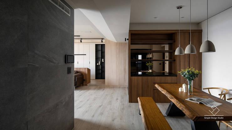 餐廳:  走廊 & 玄關 by 極簡室內設計 Simple Design Studio