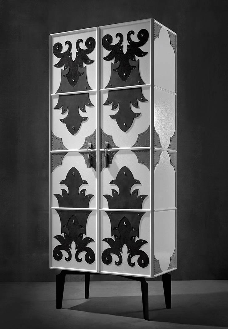 VALENTINA cabinet: modern Dressing room by S. T. Unicom Pvt. Ltd.