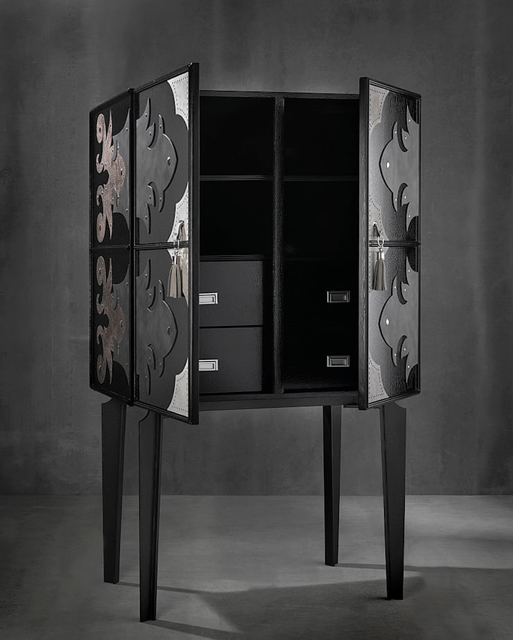 VALENTINA high sideboard:  Living room by S. T. Unicom Pvt. Ltd.