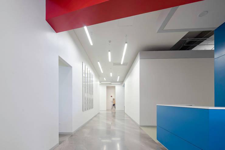 Flur & Diele von IAARQ (Ibarra Aragón Arquitectura SC)