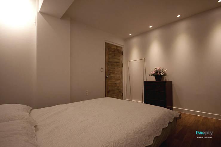 침실 - 전주인테리어 상가주택 인테리어 30평 인테리어 - 위크앤드 -: 디자인투플라이의  침실