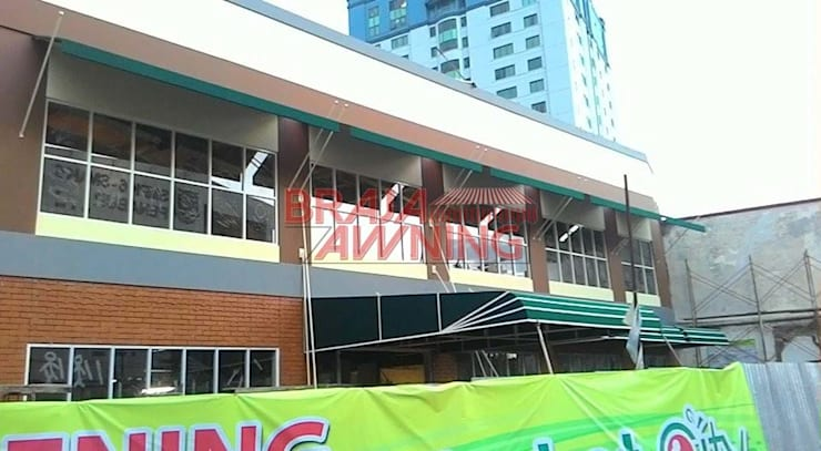 Balconies, verandas & terraces  by Braja Awning & Canopy